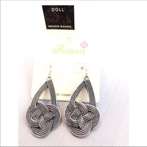 KNOTTED SILVER DROP EARRINGS